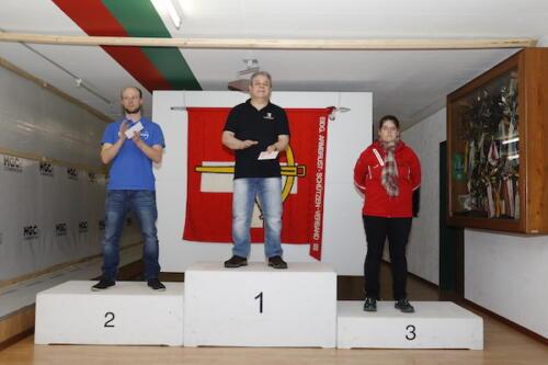 02 Sieger EWS Kniend